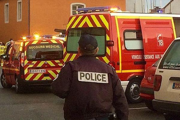 Un incendie mortel a eu lieu rue du Doyenné, à Mâcon, en Saône-et-Loire, vendredi 9 janvier 2015.