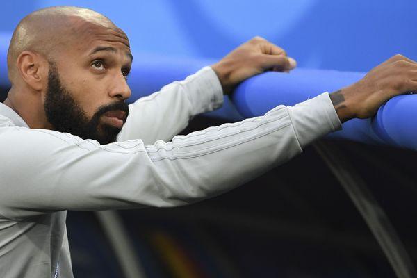 Thierry Henry, actuel assistant de l'entraîneur de l'équipe de Belgique, ici à l'occasion de la demi-finale france/Belgique en Russie ( coupe du monde 2018 ) le 10 juillet 2018. Il est pressenti pour prendre le poste d'entraîneur aux Girondins de Bordeaux.