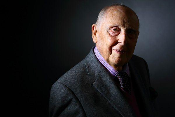 Hommage national à Daniel Cordier, ancien résistant et secrétaire de Jean Moulin ce 26 novembre.
