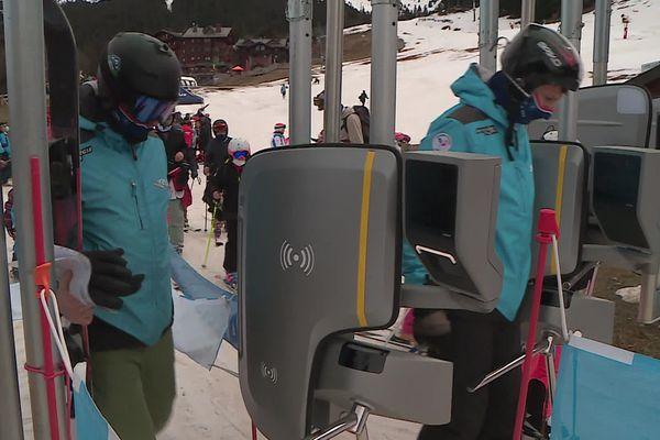 La station des Sept Laux, en Isère, teste un nouveau type de forfait de ski dématérialisé.