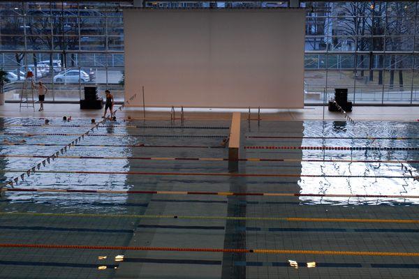Le stade-nautique Pierre-de-Coubertin s'apprête à recevoir la fameuse séance Ciné-piscine, vendredi à 20h30. A vos maillots...