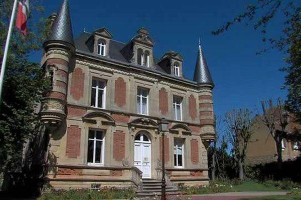 La mairie de Saint-Aubin-sur-mer a du prendre des mesures drastiques afin de boucler le budget 2015.