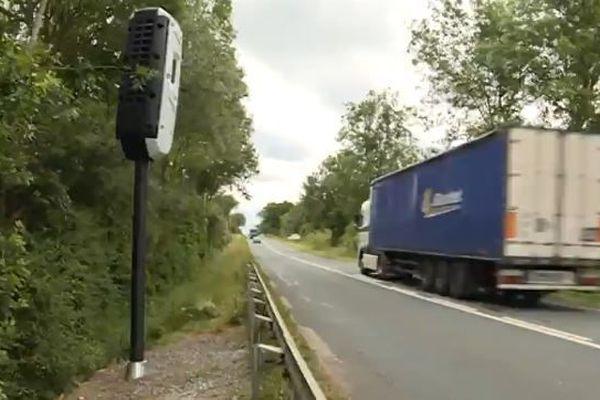 Le radar vient d'être installé sur la D943, entre La Châtre et Chateaumeillant.
