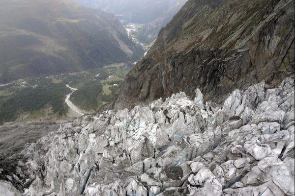Le glacier de Planpincieux, dans le massif du Mont-Blanc, lorsqu'un morceau risquait de se détacher en septembre 2019.