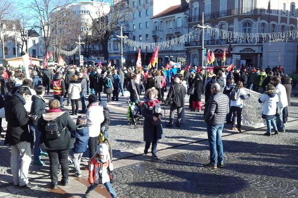1 200 à 3 000 manifestants dans les rues de Tarbes.