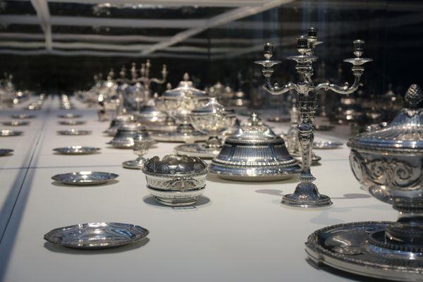 """Exposition """"Les tables du pouvoir"""" au Louvre Lens"""