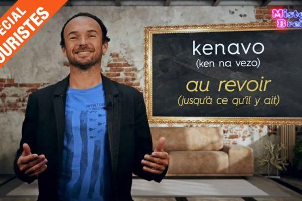 Sur un ton décalé, Mister Breizh nous donne les clés pour passer de bonnes vacances en Bretagne.