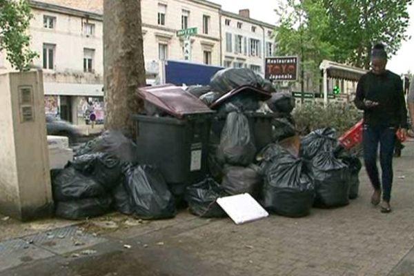 Niort: fin de la grève des éboueurs