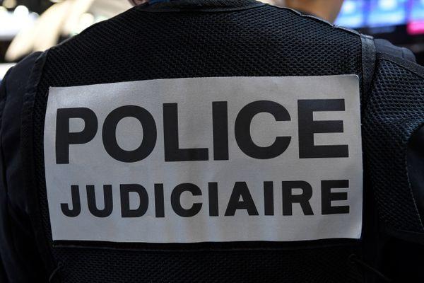 La police judiciaire de Grenoble est intervenue après la découverte d'un corps calciné dans un véhicule en feu dans la nuit du 14 au 15 juillet 2021. (Illustration)