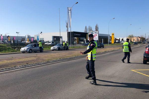 A Saint-Junien ce mercredi 18 mars au matin, 100% des automobilistes avaient leur attestation sur eux