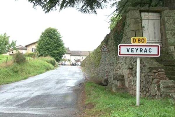 Panneau d'agglomération de Veyrac