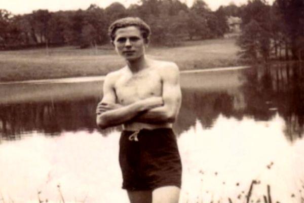 Benno Singer, 17 ans. Il mourra à Auschwitz quelques jours seulement après cette photo.