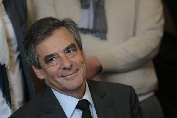 François Fillon jouit d'un soutien particulier en Pays de la Loire, région qu'il a autrefois administrée (ici le 17 février à Tourcoing).