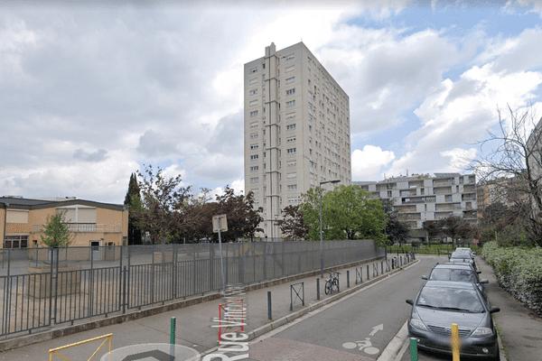 Les faits se sont déroulés samedi midi, à Toulouse dans cette rue de la Patte-d'Oie.