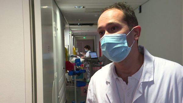 Le docteur Thomas Guimard Infectiologue au Centre Hospitalier Départemental de la Roche-sur-Yon.