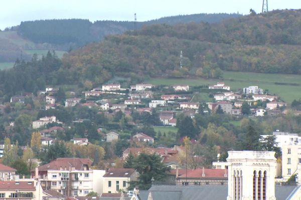 Entre ville et campagne, Saint-Chamond veut proposer des maisons aux lyonnais à des prix 3 à 4 fois inférieurs.