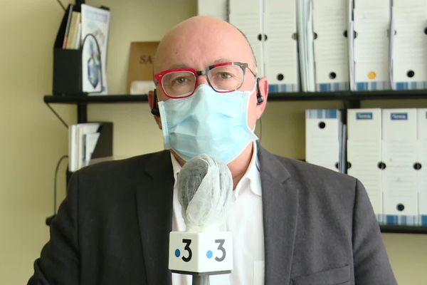 Professeur Christian Rabaud, infectiologue et président de la commission médicale d'établissement du CHRU de Nancy (Meurthe-et-Moselle).
