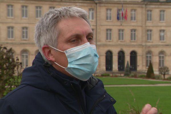 Le maire de Caen prêt à mobiliser des salles pour vacciner plus de monde rapidement et non pas attendre, fin janvier et février la fin de la phase 1 et phase 2 prévue par l'ARS