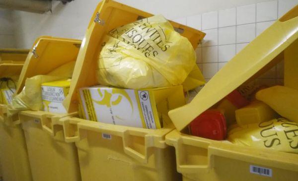 Au plus fort de la crise sanitaire, au mois de mars, les poubelles du CH de Tulle étaient pleines