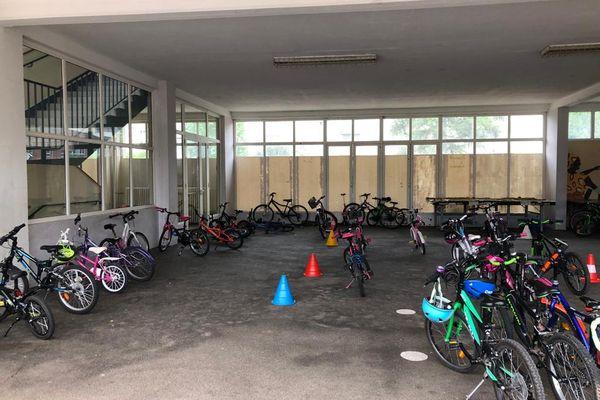 """Soixante-dix bicyclettes dénombrées ce premier jour de défi de """"l'école à vélo"""", à l'école Leclerc de Schiltigheim."""