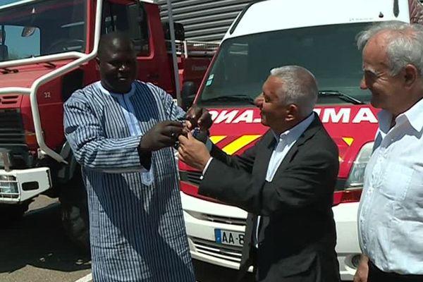 Le député burkinabé Mathias Ouédraogo était à Nîmes pour la remise des clés des véhicules.