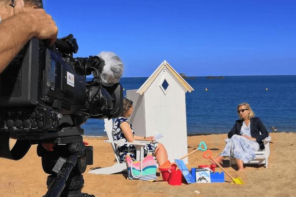 """Sur la plage du Val à Saint-Malo, la romancière Gwenaële Robert évoque son dernier roman """"Never mind"""""""