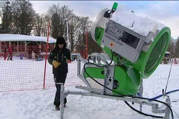 La station a investi 3 millions d'euros dans 44 canons à neige.