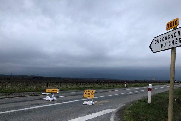 La départementale 610, qui mène jusqu'au village de Puichéric, est complètement bloquée depuis ce jeudi matin - 23 janvier 2020