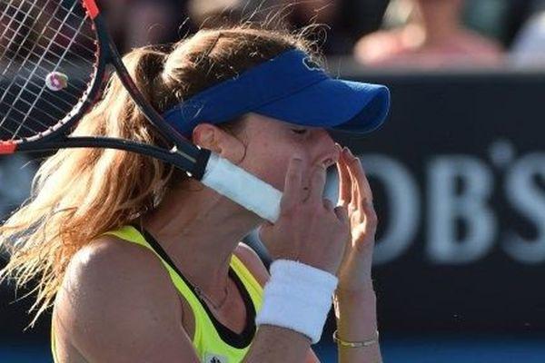 La Française Alizé Cornet a été éliminée au deuxième tour de l'Open d'Australie par la Chinoise Zhang Shuai, 133e mondiale.