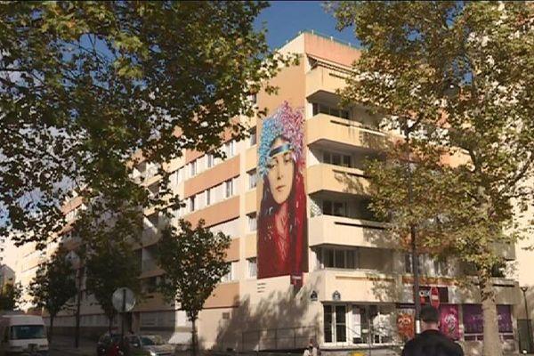 De l'art à tous les coins de rue. C'est l'une des 17 fresques situées dans l'arrondissement.
