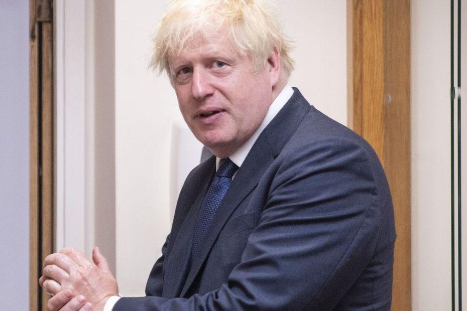"""Migrants : Boris Johnson s'en prend aux traversées illégales """"stupides"""" de la Manche"""