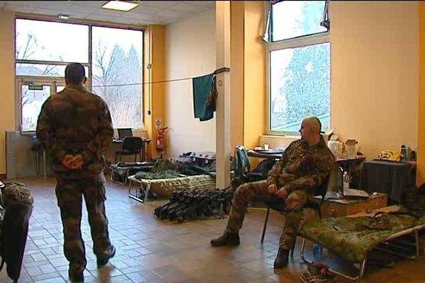 Les militaires accueillis au QGF ...