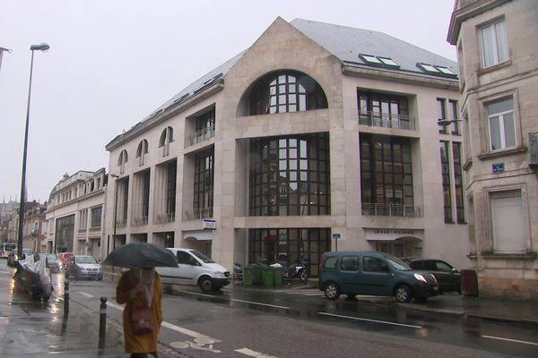 Mercredi 13 janvier, en fin de journée, l'homme avait pénétré dans le commissariat d'Amiens armé d'un couteau.