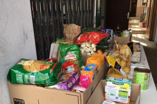 Samedi de 14 à 16h, donnez des produits alimentaires au 4 rue de Falaise