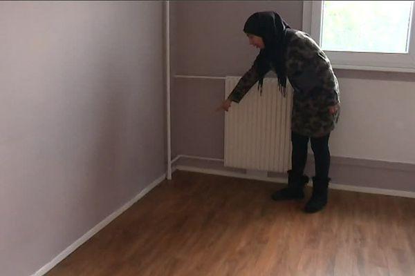 Chamssa Menahoua dans son appartement vide de Givors