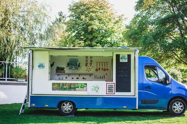 Le food truck de Ça roule en Cuisine attire toujours les curieux gourmets.