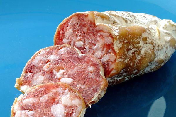 Des lots de saucissons secs de 250 grammes sont rappelés par la société Salaison Chambost du fait de la présence de salmonelle.