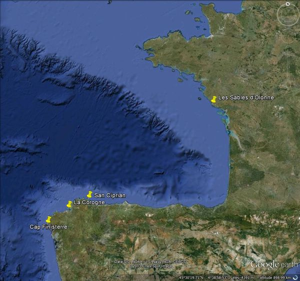 San Ciprián est une anse protégée des vents de nord-ouest et de sud-ouest. Elle est située sur la côte nord de l'Espagne à 70 milles dans l'Est de la Corogne