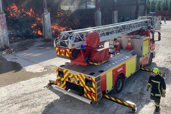 Incendie du centre de traitement des déchets Trigenium à Annecy (21 mai 2020).