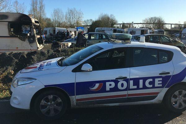 La police est encore présente sur le site de Saint-Herblain qui a brûlé dimanche 1er décembre aux alentours de 19heures30