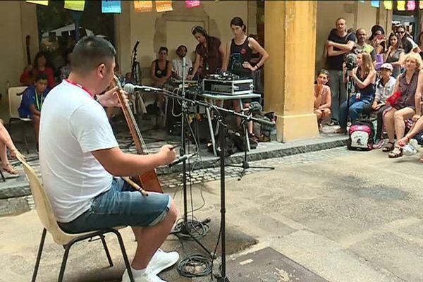 """Festival les Suds à Arles : """"les apéros découvertes"""""""