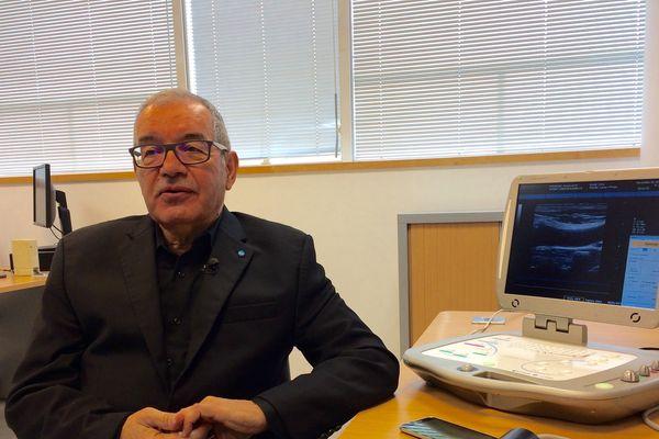 Le professeur Arbeille, de la faculté de médecine de Tours, en conférence au lycée Jean de la Taille à Pithiviers ce mardi 10 octobre à 17h30