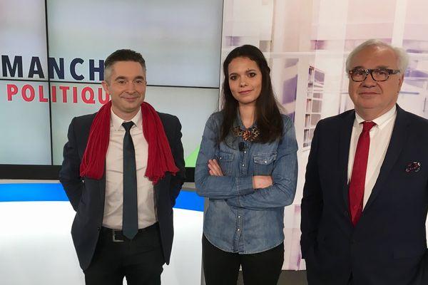 Marie Morin (au centre, reçoit Tony bernard (à gauche) et Jean-Yves Vif (à droite).