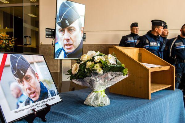 Le colonel Arnaud Beltrame avait sacrifié sa vie lors d'une prise d'otages revendiquée par l'Etat islamique à Trèbes