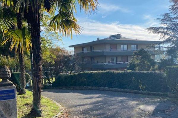 La résidence où habitait l'homme poignardé, en contre-bas du Parc Beaumont à Pau.