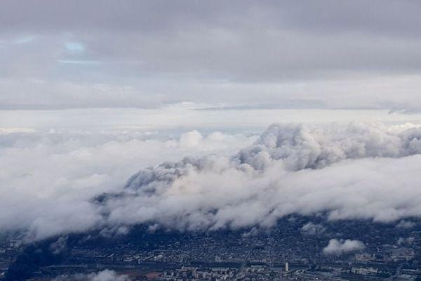 Le panache de fumée de Lubrizol fait 22 km de long et 6 km de large