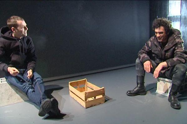 """Le metteur-en-scène marseillais Renaud Marie Leblanc propose une version très actuelle de """"Horace"""" de Corneille au Jeu de Paume d'Aix-en-Provence."""