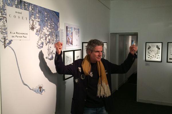 Cosey présente l'exposition qui lui est consacrée lors de la 45e édition du festival de la bande dessinée d'Angoulême