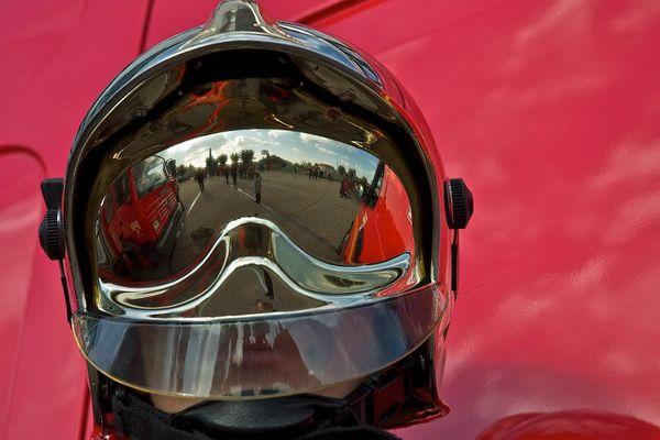Illustration - casque de pompier