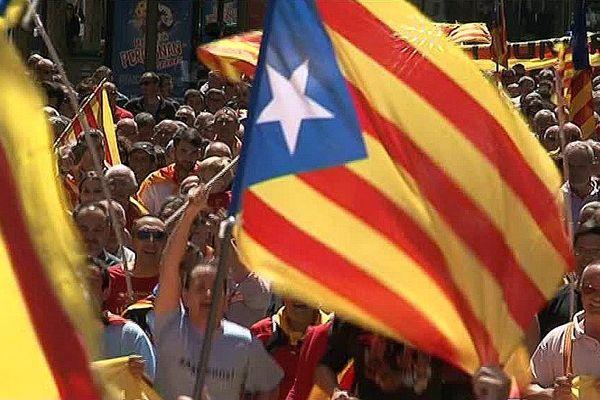 drapeaux catalans pour les manifestations à Perpignan